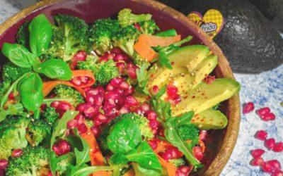 Ensalada de brócoli con granada
